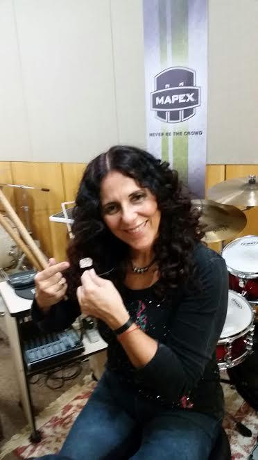 Vera Figueiredo baterista Xtreme Ears